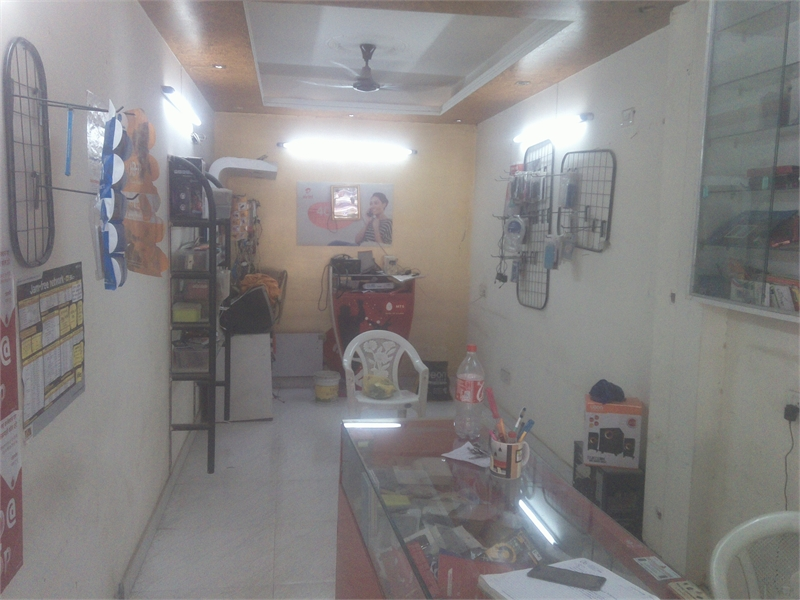 Commercial Shop For Rent In Paryavaran Complex