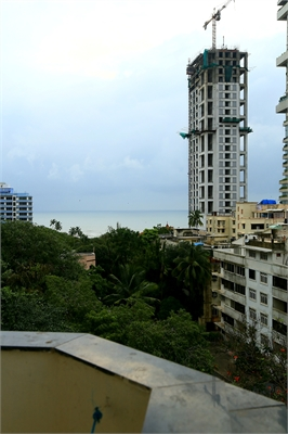 2 BHK, Multistorey Apartment / Flat For Sale in Breach Candy, Mumbai